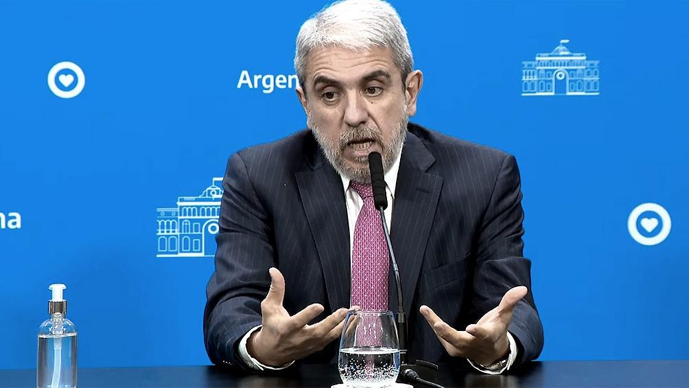 """""""La posición que asumimos porque ya ha habido varios desmanes, es la de colaborar"""", dijo Aníbal Fernández."""