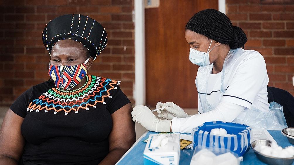 África: solo quince países lograron vacunar contra el coronavirus al 10% de su población