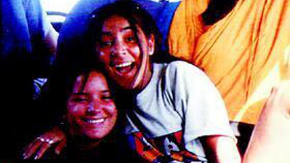 Irina Montoya y María Dolores Sánchez, las jóvenes abusadas y asesinadas.