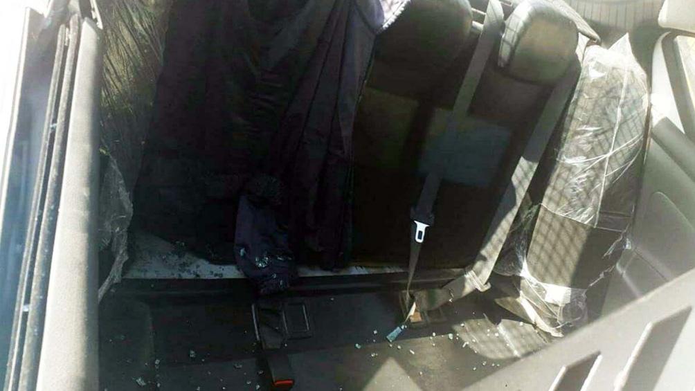 Los ladrones robaron la butaca completa del asiento trasero.