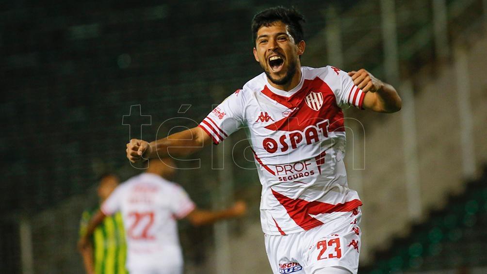 Mauro Luna Diale grita el segundo gol de Gastón González, que marcó por duplicado y le dio la victoria a Unión. (Foto: Diego Izquierdo)