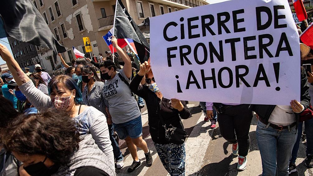 Autoridades chilenas denuncian que la entrada de extranjeros al país. Foto: AFP