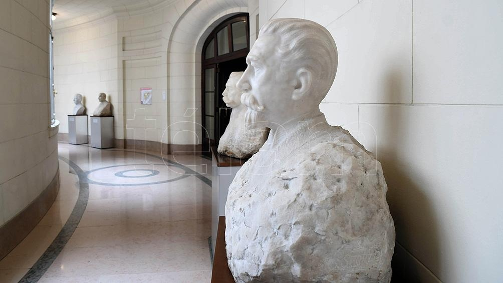 Galería de los bustos, que recuerda a antiguos intendentes. Foto: Pablo Añeli