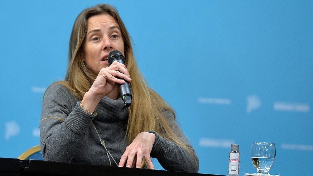 La directora general de Cultura y Educación bonaerense, Agustina Vila, rechazó que haya una flexibilización en las condiciones para pasar de grado .