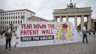 Un año y 3,7 millones de muertes después, no hay consenso para liberar las patentes de las vacunas anticovid