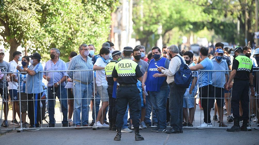 El público tucumano fue a la cancha. Foto: Diego Aráoz.
