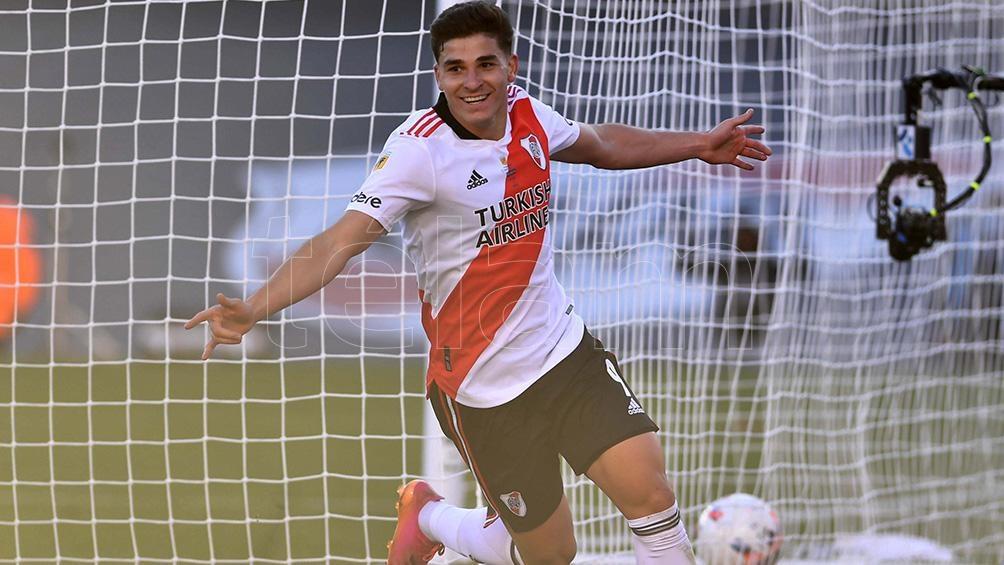 Julián Álvarez, figura y goleador de River, no sólo en el torneo sino ante Boca. Foto: Alejandro Santa Cruz
