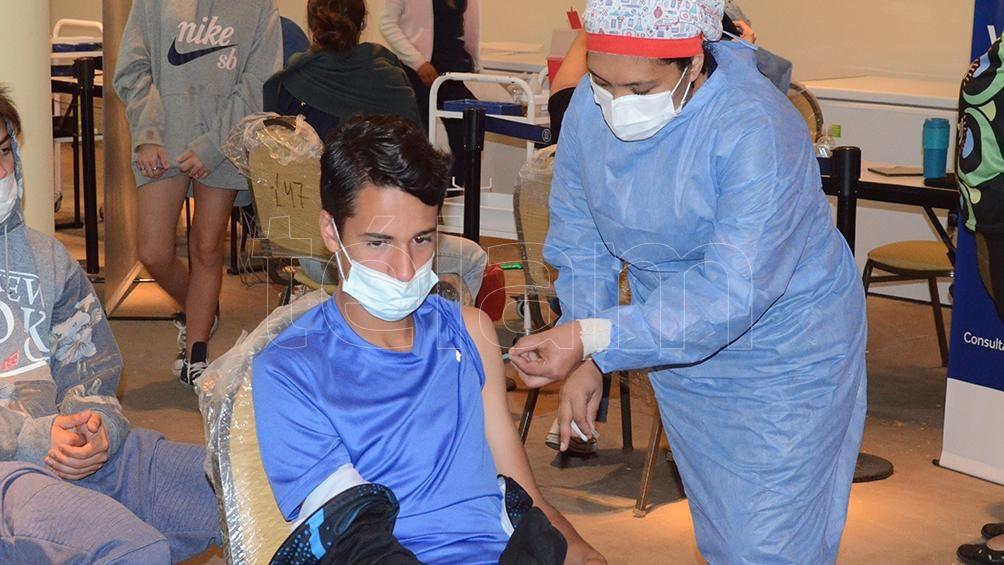 la vacunación de menores está en marcha en Salta, ahora sumarán a los niños hasta tres años.Foto: Luis Cornu.