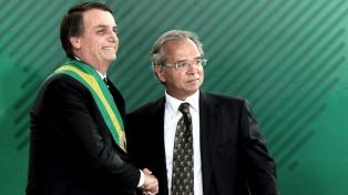 """El nuevo """"plan social de Bolsonaro"""" causa turbulencia en el mercado financiero"""
