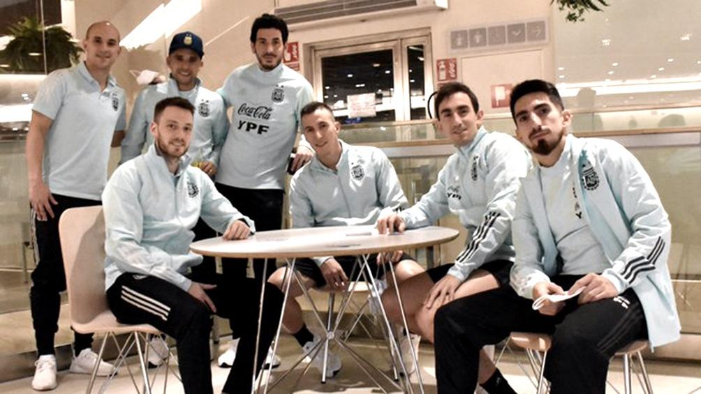 El seleccionado de futsal antes de partir a Argentina (twitter Selección Argentina).