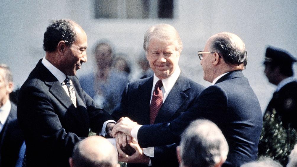 Anwar el Sadat primero hizo la guerra con Israel y luego firmó un tratado de paz con el Gobierno israelí