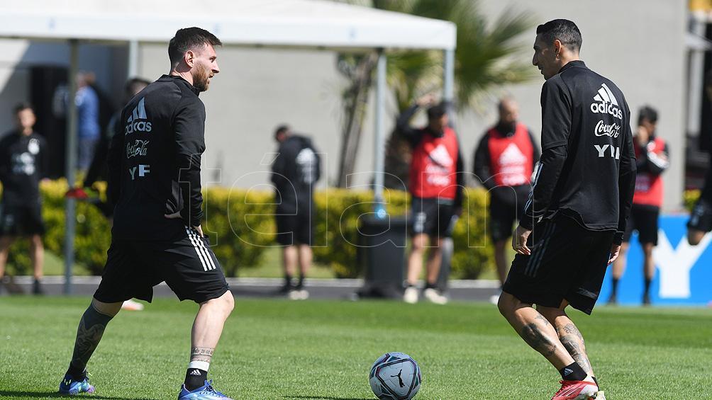 Argentina, con Messi como estandarte, se entrena en Ezeiza antes de partir a Paraguay