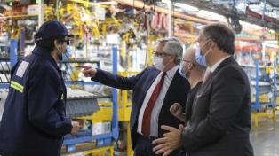 El Presidente recorrió una planta automotriz que generó nuevos puestos de trabajo