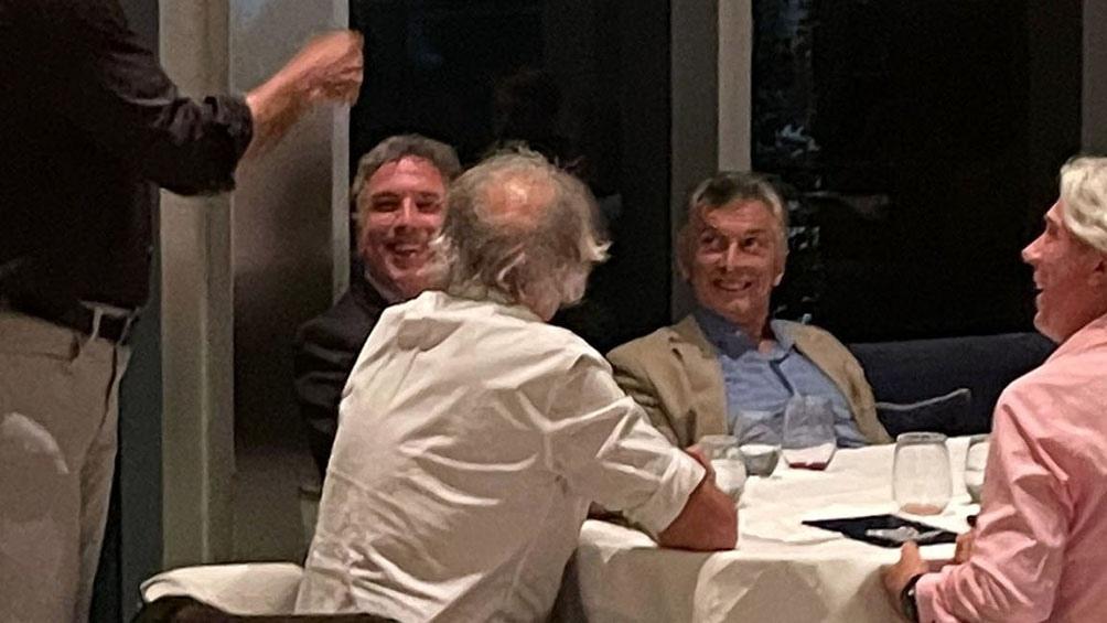 Macri sostuvo su «absoluta inocencia» y apeló la prohibición para salir del país