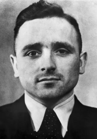 El genocida Klaus Barbie. Extraditado a Alemania, fue condenado a prisión perpetua.