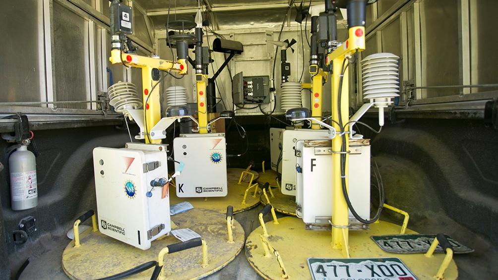 El interior de esos camiones que relevaron la actividad eléctrica. (Foto: MCYT).