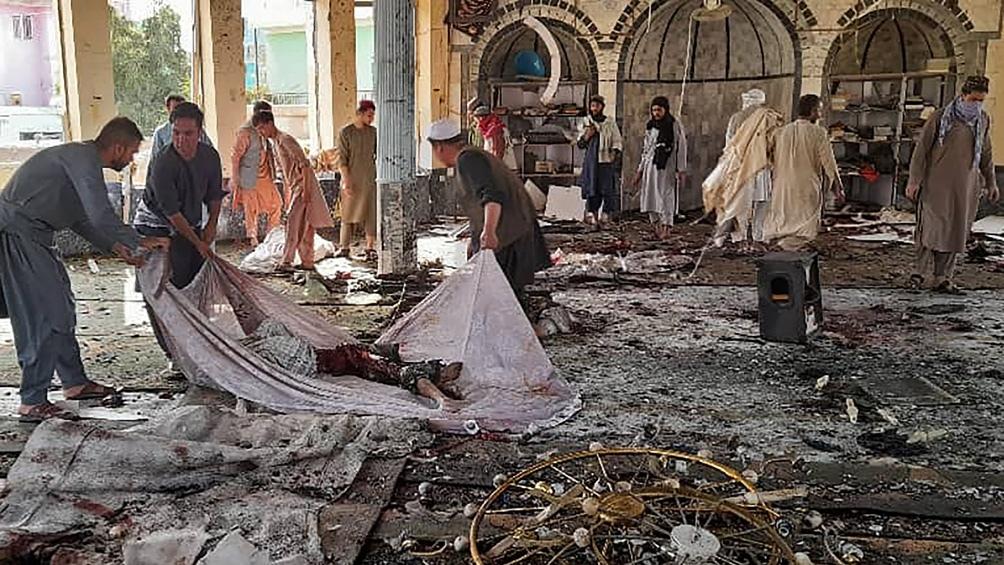 La detonación se produjo durante la oración de mediodía en proximidades del edificio que estaba muy concurrido. Foto: AFP.