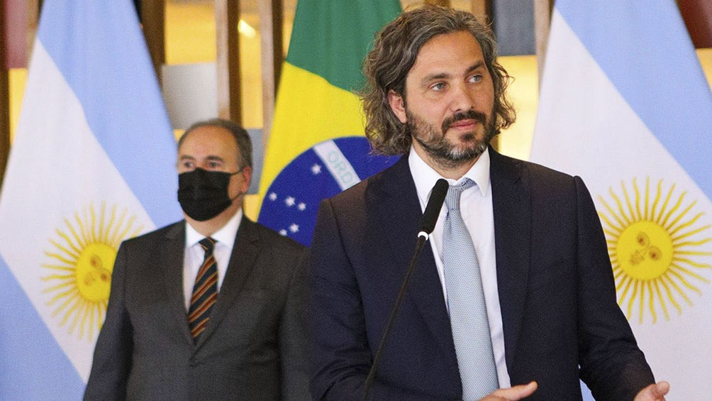 El canciller Santiago Cafiero aterrizó a las 11.50 en Brasilia, acompañado por Kulfas, Scioli y la secretaria de Relaciones Económicas Internacionales de la Cancillería, Cecilia Todesca Bocco. Prensa: Cancillería.