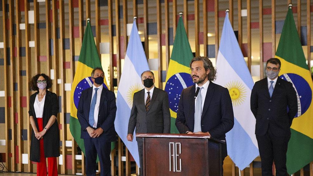 """Cafiero defendió el """"robustecimiento"""" del Mercosur y destacó que la adecuación arancelaria en el bloque acordada con Brasil preserva al sector productivo más sensible. Prensa: Cancillería."""