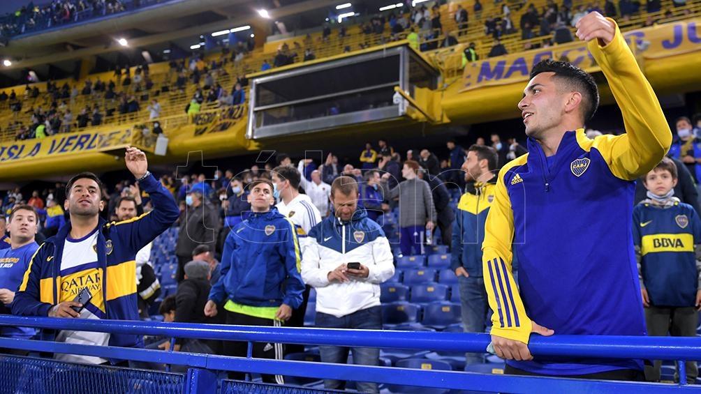 """El público """"xeneize"""" volvió con Lanús y se investiga si no hubo excesos en la capacidad permitida (Foto: Julián Álvarez)."""