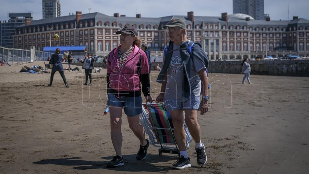 Mar del Plata recibió a los turistas con buen tiempo. Foto: Diego Izquierdo.