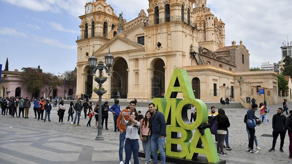 En el fin de semana largo, los turistas gastaron más de 17 mil millones de pesos. (Foto: Montiel Irma)