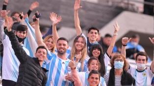 El estadio Monumental abrió sus puertas bajo un estricto operativo policial