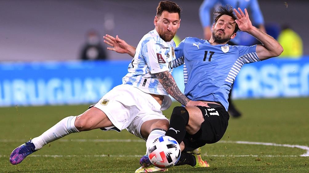 os principales medios de Uruguay reconocieron la superioridad del seleccionado argentino luego del triunfo por 3-0 sobre la