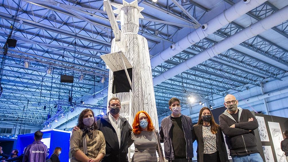 Con aportes de Rep, Maitena, Tute y Liniers, la exposición traslada al plano tridimensional algunos de los objetos blanquinegros que el creador de Mafalda incluyó.