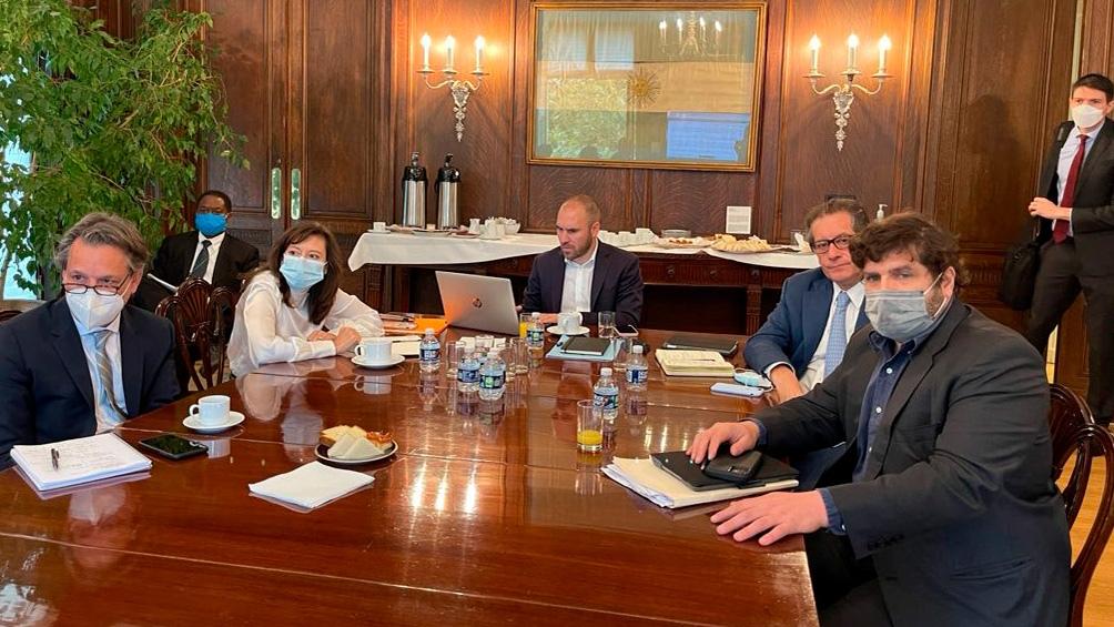 Guzmán comenzó una semana de reuniones en Washington con el FMI