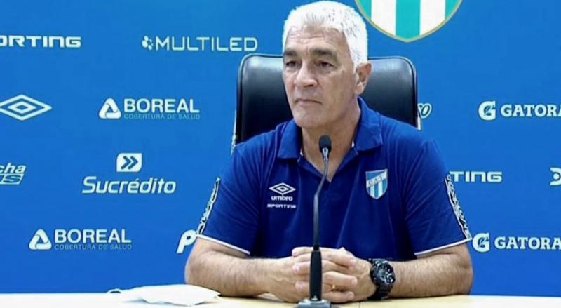 De Felippe dejó de ser el entrenador de Atlético Tucumán
