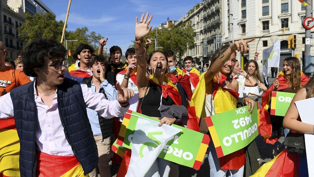 España celebró su fiesta nacional con la vuelta del desfile militar y abucheos al presidente Sánchez. (Foto: AFP)