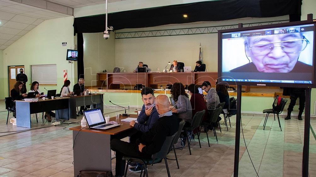 El fiscal expuso documentación oficial proveniente del área de inteligencia de la Prefectura Nava de Bahía Blanca y un documento presentado en 1987 por el fallecido general Acdel Vilas. Foto David Sánchez.