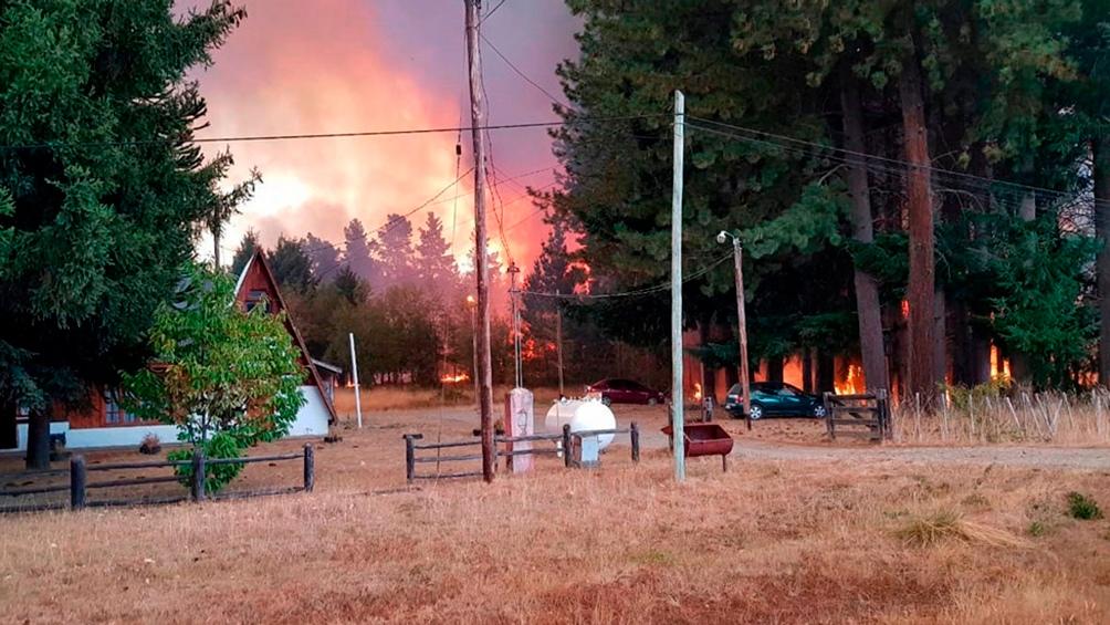 La localidad chubutense de El Hoyo resultó seriamente afectada por la acción del fuego el año pasado.