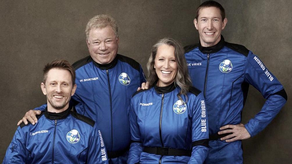 Shatner se convirtió este miércoles en la persona de más edad en volar al espacio.