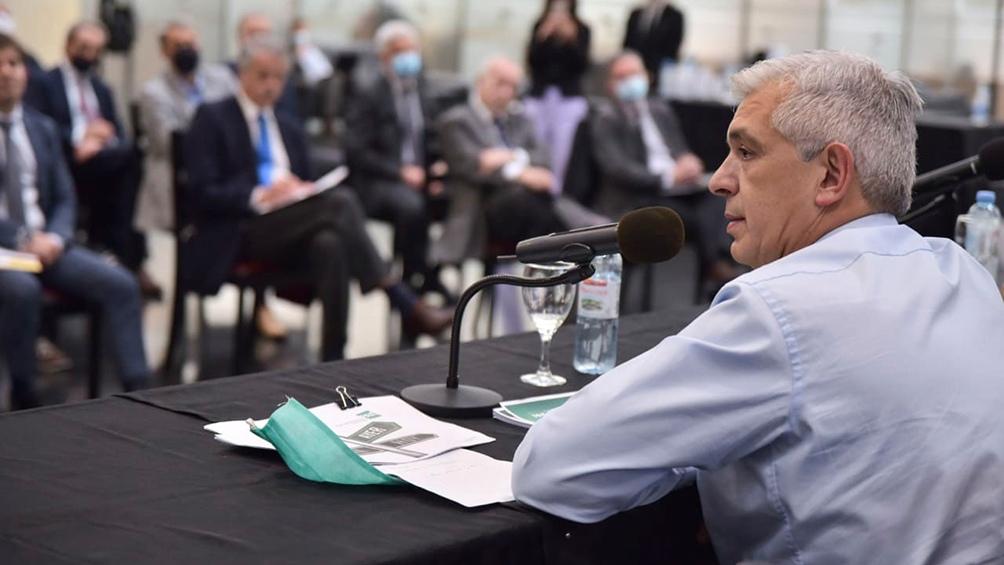 """""""Los productores argentinos tienen los atributos para estar entre los líderes del mundo y lo que dispara el crecimiento es el diálogo"""", aseguró Domínguez (Foto prensa Agroindustria)."""