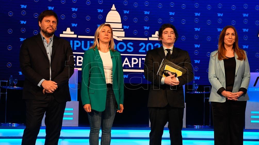 """Los candidatos debatieron en el programa """"A dos voces"""". Foto: Maximiliano Luna."""