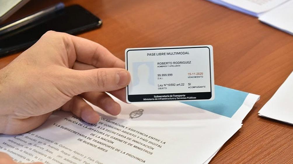 La versión digital cuenta con la misma información que la credencial física.
