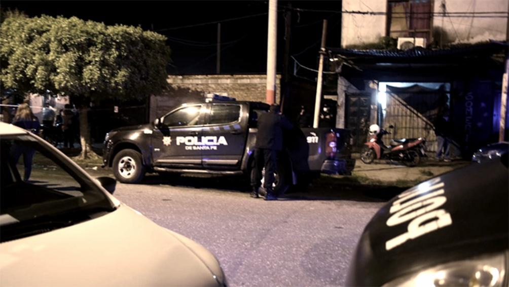La joven de 21 años asesinada en el interior de una vivienda de Rosario en la que se hallaba junto a su hijo de 3 años cumplía arresto domiciliario.