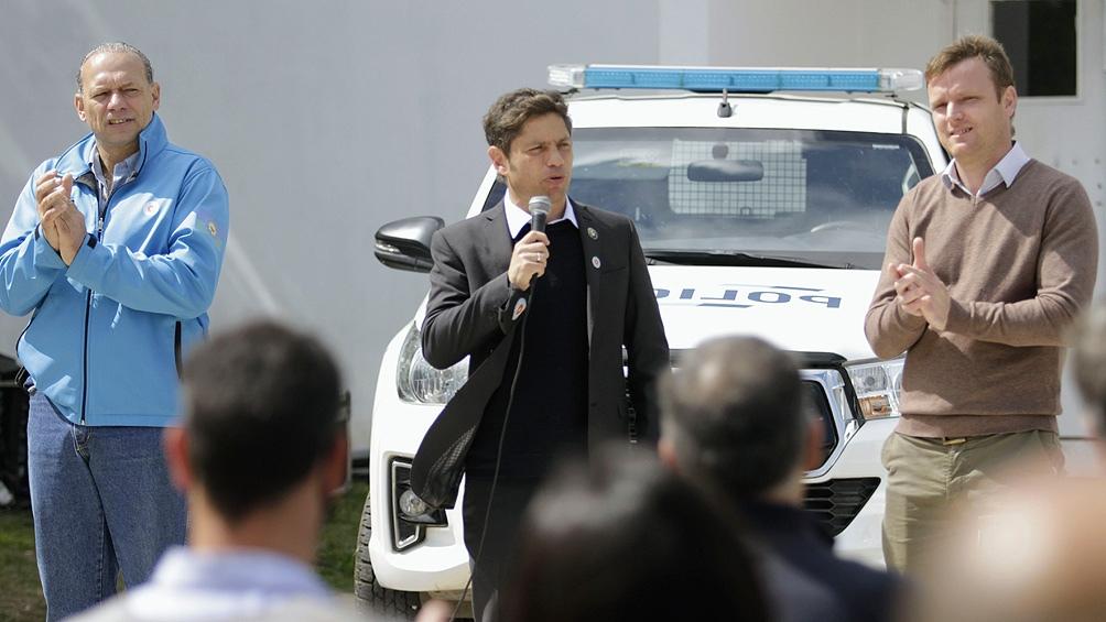 El gobernador bonaerense, Axel Kicillof, anunció que otorgará un aumento salarial a personal policial y del Servicio Penitenciario.