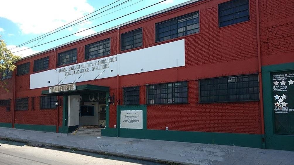 "La Escuela de Educación Secundaria Técnica Nº8 de Lanús ""Almafuerte""."