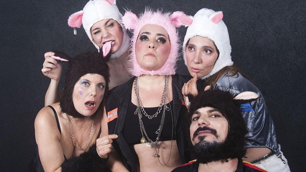 Vale Cini y el proyecto performático de punk-queer cordobés Pequeño Bambi emprenderán una serie de presentaciones en conjunto.