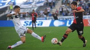 Gimnasia le ganó a Newell's un duelo de necesitados en La Plata