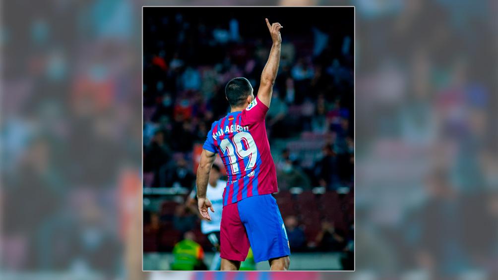 Barcelona, con el debut de Sergio Agüero, venció a Valencia