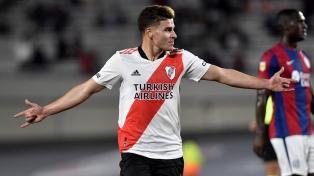 River se lo dio vuelta a San Lorenzo con tres goles de Álvarez y estiró su ventaja