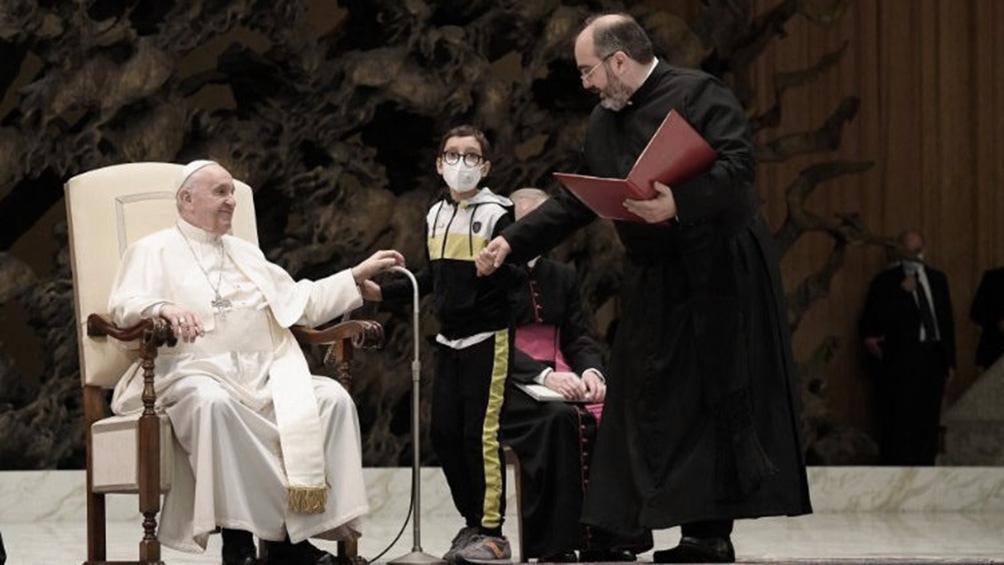 El curioso momento del Papa y un niño que le quiso