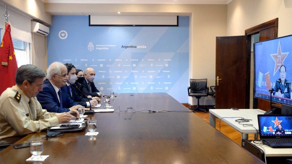 Jorge Taiana mantuvo una reunión virtual con su par chino, Wei Feng He. (Foto Twitter @JorgeTaiana)