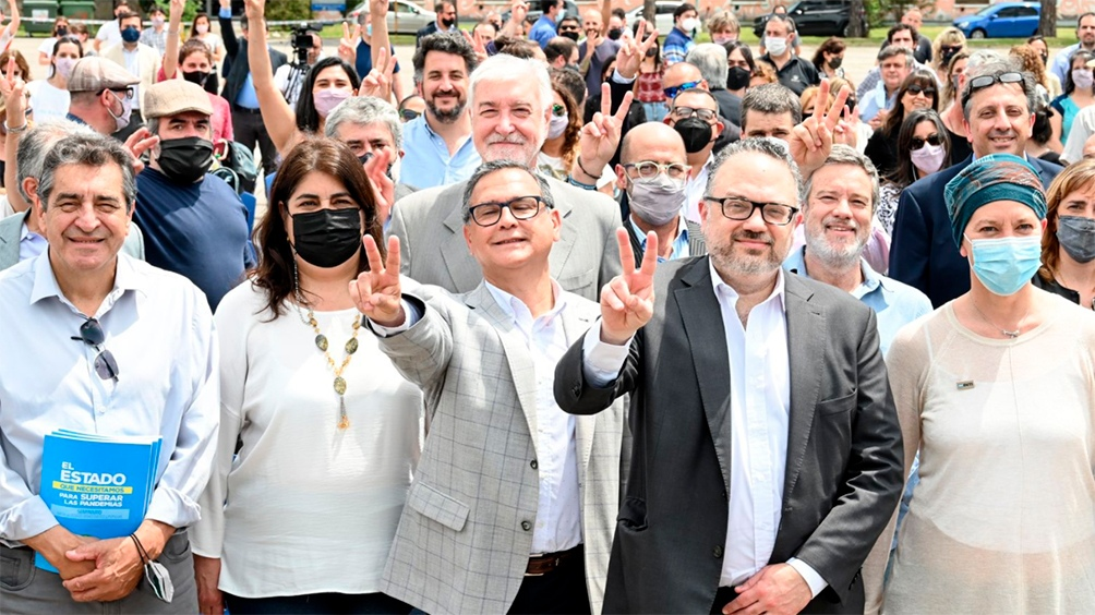 Este plan permitirá regularizar los cargos ocupados en forma transitoria desde hace más de 5 años en la administración pública nacional mediante concursos internos (Captura TW @INTIargentina)