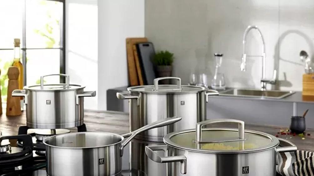 Ahora 12: incluyen elementos de cocina y un kit para conexión domiciliaria de agua y cloacas