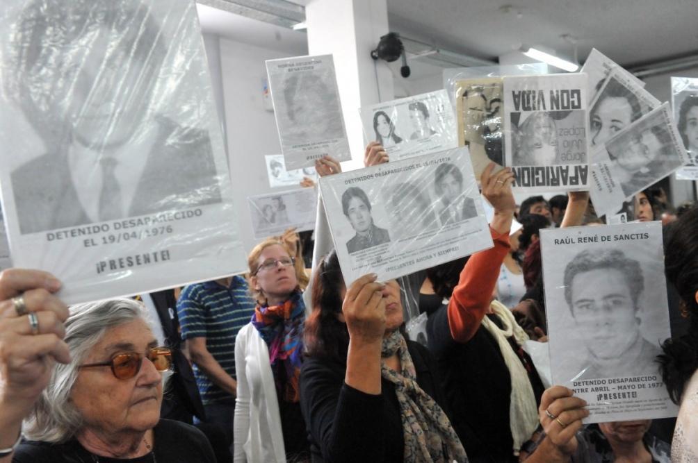 """En los """"vuelos de la muerte"""", militantes fueron arrojaron desde el aire a las aguas del Río de la Plata y el océano Atlántico."""